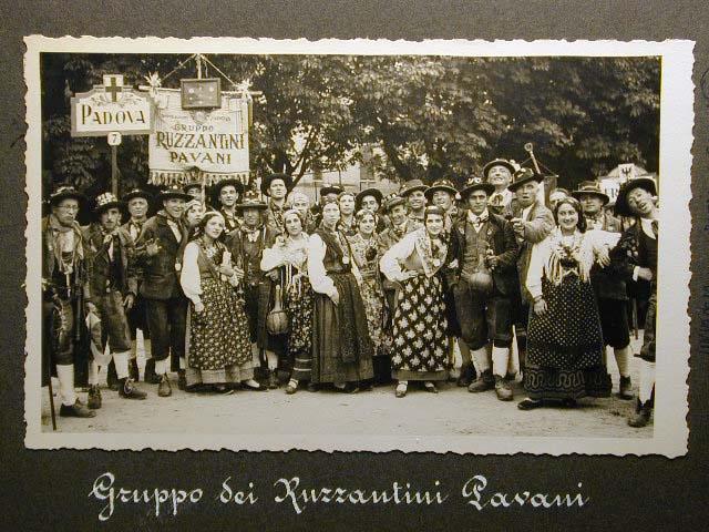 Meran in den dreissiger Jahren - Traubenfest Merano anni 30 - Festa Uva _10_.jpg