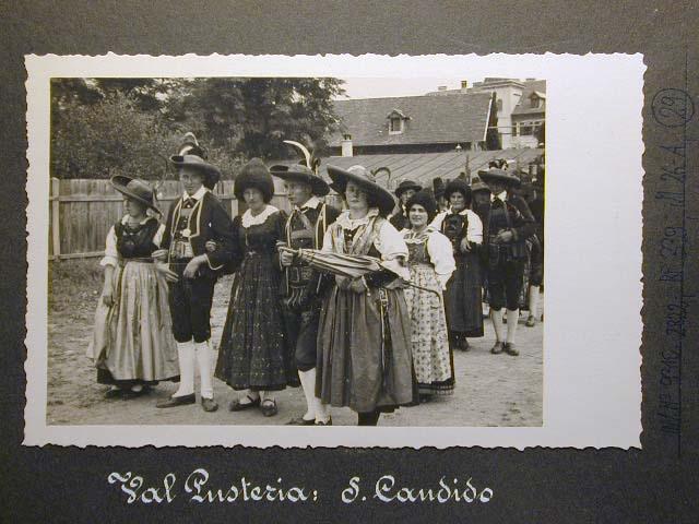 Meran in den dreissiger Jahren - Traubenfest Merano anni 30 - Festa Uva _28_.jpg