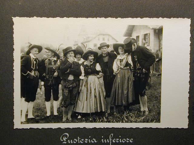 Meran in den dreissiger Jahren - Traubenfest Merano anni 30 - Festa Uva _29_.jpg