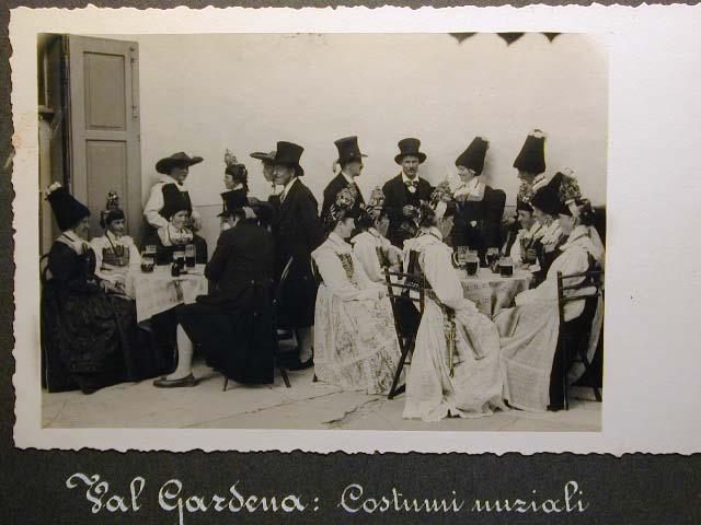 Meran in den dreissiger Jahren - Traubenfest Merano anni 30 - Festa Uva _34_.jpg