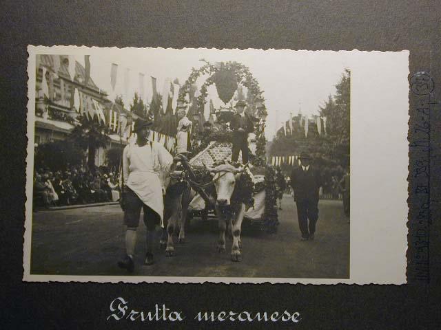 Meran in den dreissiger Jahren - Traubenfest Merano anni 30 - Festa Uva _36_.jpg