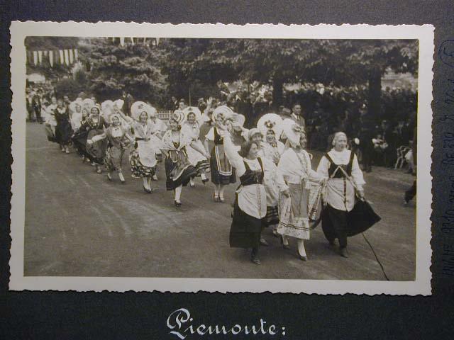 Meran in den dreissiger Jahren - Traubenfest Merano anni 30 - Festa Uva _4_.jpg