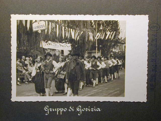 Meran in den dreissiger Jahren - Traubenfest Merano anni 30 - Festa Uva _8_.jpg