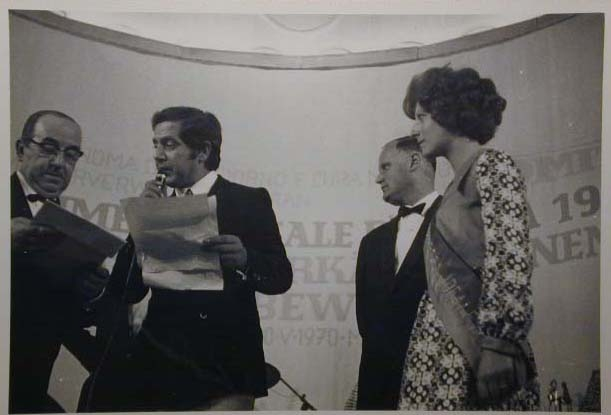 Merano 1970 -Nationaler Verkauferinnen Wettbewerb - La Commessa ideale d_ Italia -Modeschau-Sfilata e Premiazione _17_.jpg