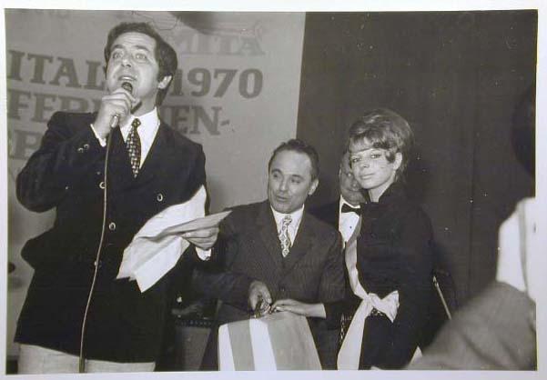 Merano 1970 -Nationaler Verkauferinnen Wettbewerb - La Commessa ideale d_ Italia -Modeschau-Sfilata e Premiazione _18_.jpg