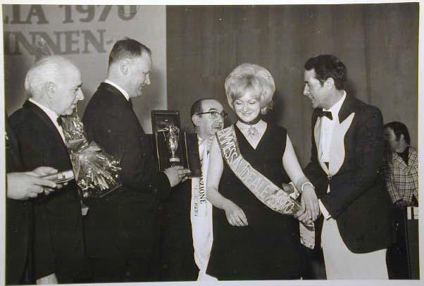 Merano 1970 -Nationaler Verkauferinnen Wettbewerb - La Commessa ideale d_ Italia -Modeschau-Sfilata e Premiazione _27_.jpg