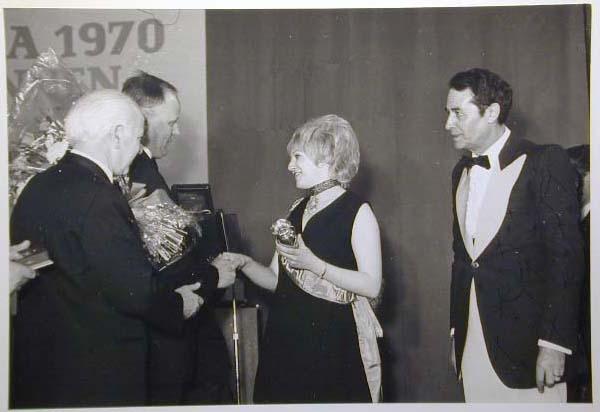 Merano 1970 -Nationaler Verkauferinnen Wettbewerb - La Commessa ideale d_ Italia -Modeschau-Sfilata e Premiazione _29_.jpg