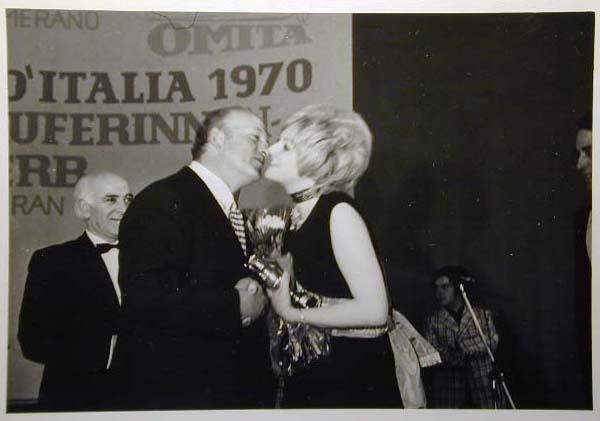 Merano 1970 -Nationaler Verkauferinnen Wettbewerb - La Commessa ideale d_ Italia -Modeschau-Sfilata e Premiazione _33_.jpg
