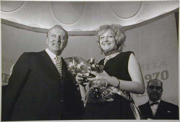 Merano 1970 -Nationaler Verkauferinnen Wettbewerb - La Commessa ideale d_ Italia -Modeschau-Sfilata e Premiazione _34_.jpg