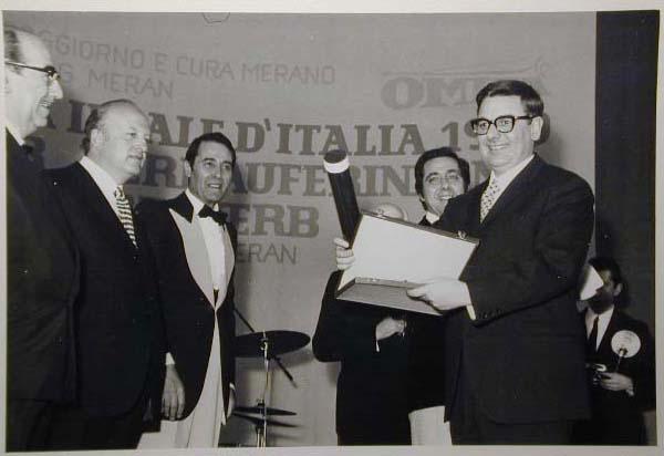 Merano 1970 -Nationaler Verkauferinnen Wettbewerb - La Commessa ideale d_ Italia -Modeschau-Sfilata e Premiazione _37_.jpg