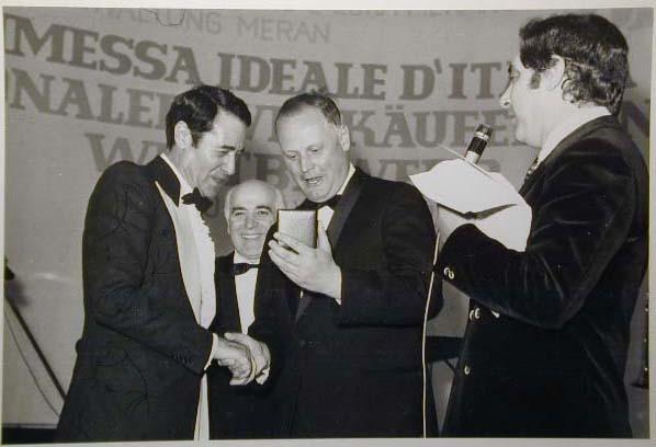 Merano 1970 -Nationaler Verkauferinnen Wettbewerb - La Commessa ideale d_ Italia -Modeschau-Sfilata e Premiazione _38_.jpg
