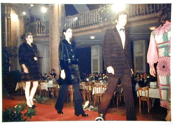 Merano 1970 -Nationaler Verkauferinnen Wettbewerb - La Commessa ideale d_ Italia -Modeschau-Sfilata e Premiazione _45_.jpg