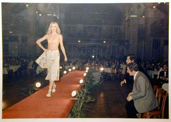 Merano 1970 -Nationaler Verkauferinnen Wettbewerb - La Commessa ideale d_ Italia -Modeschau-Sfilata e Premiazione _48_.jpg