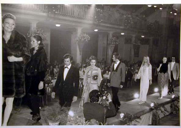 Merano 1970 -Nationaler Verkauferinnen Wettbewerb - La Commessa ideale d_ Italia -Modeschau-Sfilata e Premiazione _4_.jpg