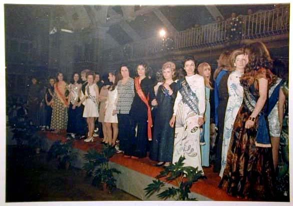 Merano 1970 -Nationaler Verkauferinnen Wettbewerb - La Commessa ideale d_ Italia -Modeschau-Sfilata e Premiazione _50_.jpg