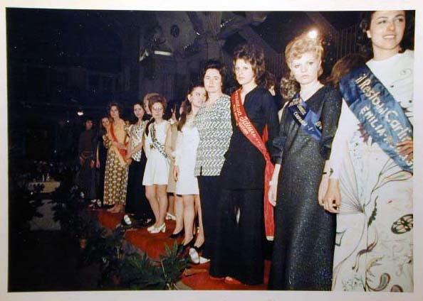 Merano 1970 -Nationaler Verkauferinnen Wettbewerb - La Commessa ideale d_ Italia -Modeschau-Sfilata e Premiazione _58_.jpg