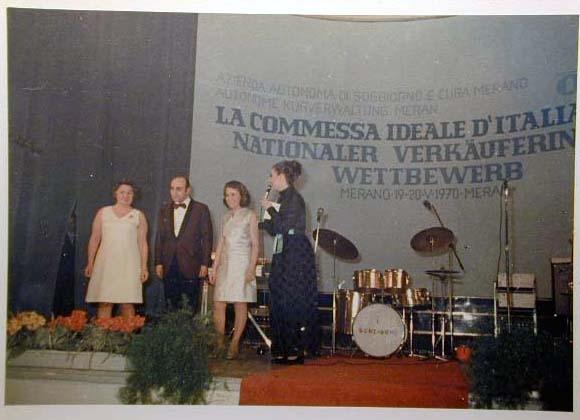 Merano 1970 -Nationaler Verkauferinnen Wettbewerb - La Commessa ideale d_ Italia -Modeschau-Sfilata e Premiazione _60_.jpg