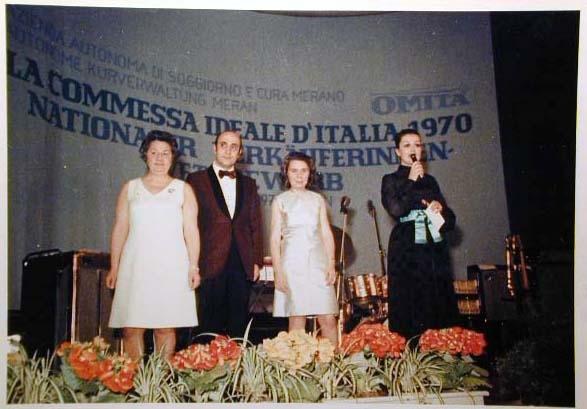 Merano 1970 -Nationaler Verkauferinnen Wettbewerb - La Commessa ideale d_ Italia -Modeschau-Sfilata e Premiazione _61_.jpg