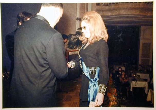 Merano 1970 -Nationaler Verkauferinnen Wettbewerb - La Commessa ideale d_ Italia -Modeschau-Sfilata e Premiazione _64_.jpg