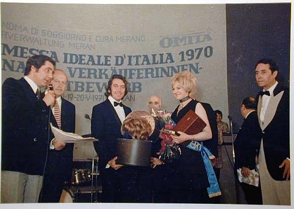 Merano 1970 -Nationaler Verkauferinnen Wettbewerb - La Commessa ideale d_ Italia -Modeschau-Sfilata e Premiazione _74_.jpg