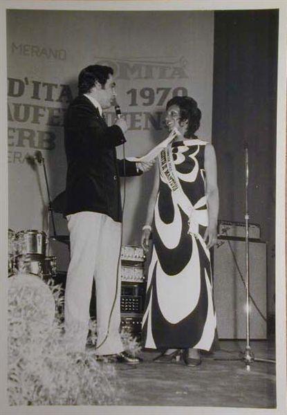 Merano 1970 -Nationaler Verkauferinnen Wettbewerb - La Commessa ideale d_ Italia -Modeschau-Sfilata e Premiazione _8_.jpg