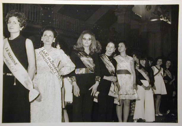 Merano 1970 -Nationaler Verkauferinnen Wettbewerb - La Commessa ideale d_ Italia -Modeschau-Sfilata e Premiazione _9_.jpg