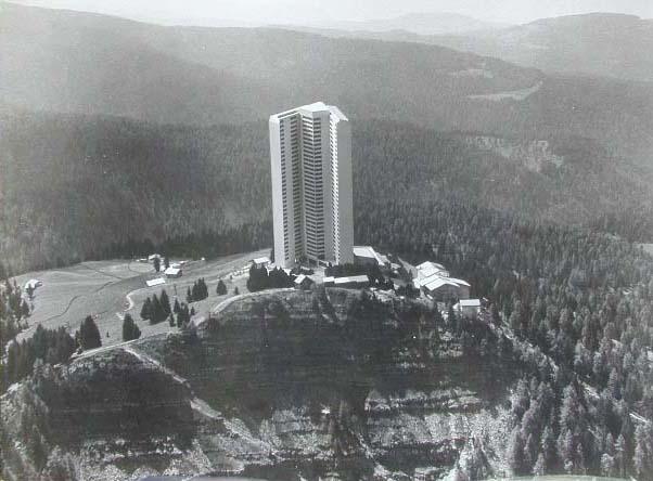 Appartamenthotel Meran 2000 - Hotel a Merano 2000 - Projektvortsellung - Presentazione Progetto_ 1970 _1_.jpg
