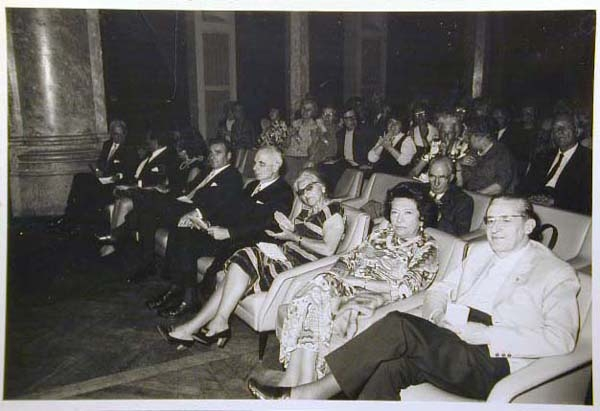 Concorso Internazionale Cantanti Lirici 1970 e 1972 - Internationaler Gesangwettbewerb Debuet in Meran 1970 und 1972 _1_.jpg