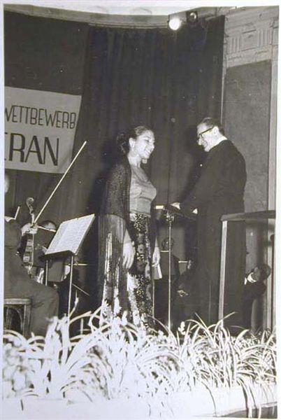 Concorso Internazionale Cantanti Lirici 1970 e 1972 - Internationaler Gesangwettbewerb Debuet in Meran 1970 und 1972 _9_.jpg