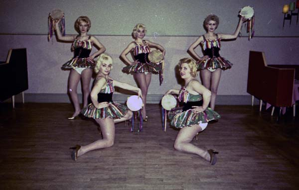 Copia di Perla Taenzerinnen - Ballerine004.jpg