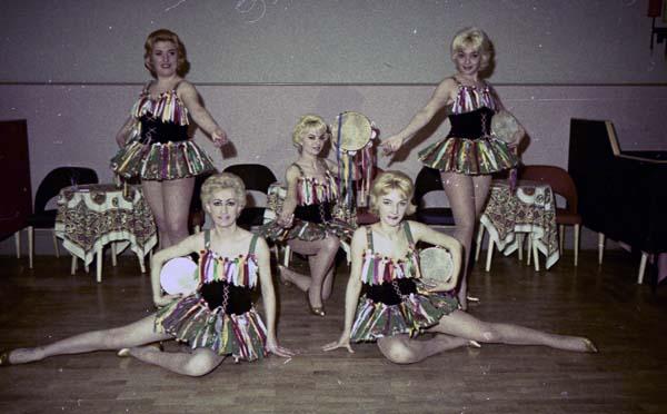 Perla Taenzerinnen - Ballerine018.jpg