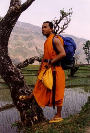 64 Bhikkhu  Nepal.jpg