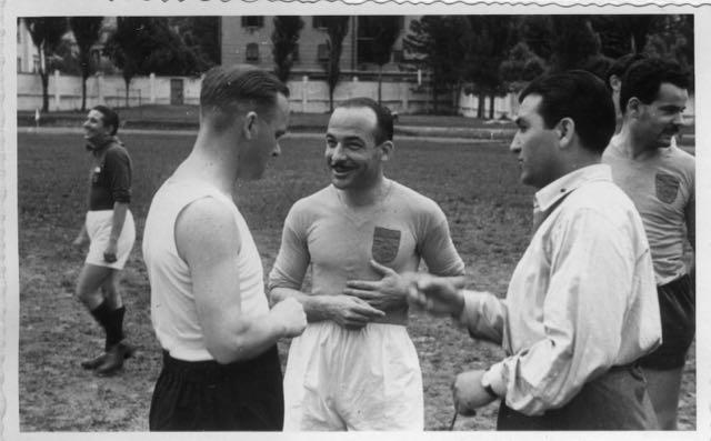 1947-48 Imbattuta squadra calcio insegnanti AVV.IND. - 1 di 10 (3)