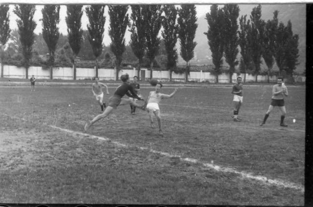 1947-48 Imbattuta squadra calcio insegnanti AVV.IND. - 1 di 10 (4)