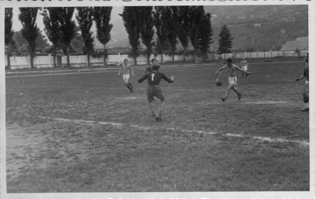 1947-48 Imbattuta squadra calcio insegnanti AVV.IND. - 1 di 10 (5)
