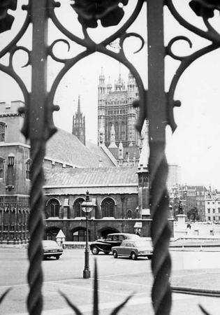 Viaggio a LONDRA -in autostop - 1970 - Archivio Gigi Bortoli (2).jpg