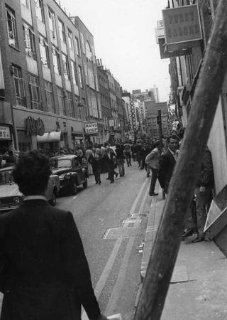 Viaggio a LONDRA -in autostop - 1970 - Archivio Gigi Bortoli _16_.jpg
