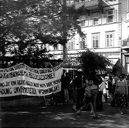 3Muretto Manifestazione abitazioni nocive 1977.jpg