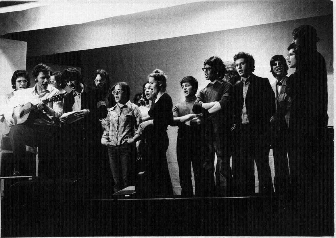 1975 collettivo teatrale liceo classico.jpg