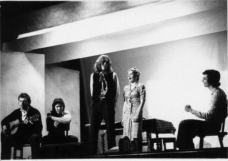 1975 liceo clsassico collettivo teatrale.jpg