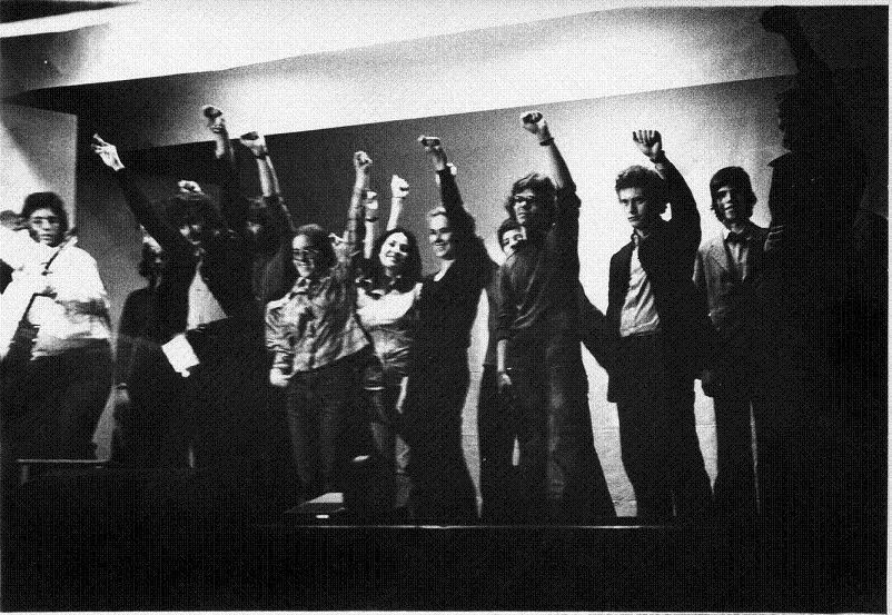 anno 1975 collettivo teatrale liceo classico.jpg